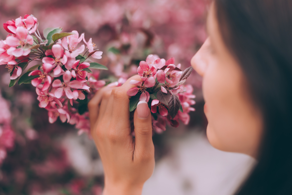 Mindfulness exercise with flowers